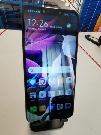 Huawei Mate 20 lite fekete színű új állapotú kártyafüggetlen DUAL-simes készülék