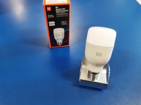 Xiaomi Mi Smart LED Bulb Essential (fehér és színes) okosizzó E27 foglalattal